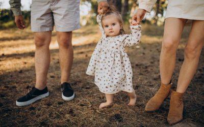 14 conseils pour l'apprentissage de la marche avec vos enfants 🦶🏼