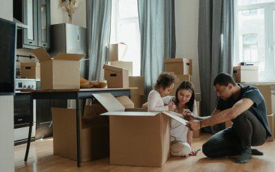 Déménager avec des enfants : 8 stratégies efficaces pour faciliter la transition 🏡
